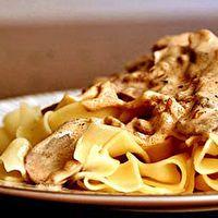 HAMBURGER STROGANOFF WITH KLUSKI NOODLES by Kluski Noodles