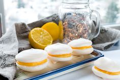 Meringue cookies with lemon curd filling Lemon Curd Filling, Meringue Cookies, Baking Ideas, Panna Cotta, Goodies, Tasty, Chic, Ethnic Recipes, Sweet