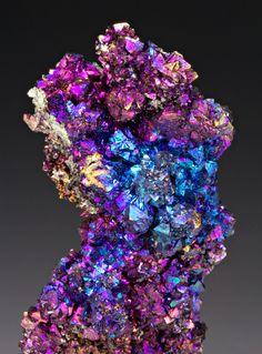 iridescent   mother-of-pearl   gleaming   shimmering   metallic rainbow   shine    Chalcopyrite