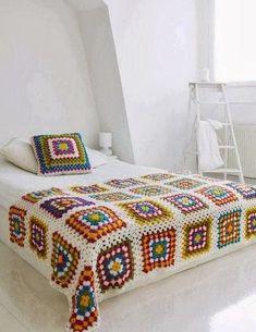 Transcendent Crochet a Solid Granny Square Ideas. Inconceivable Crochet a Solid Granny Square Ideas. Crochet Diy, Beau Crochet, Manta Crochet, Crochet Home, Love Crochet, Beautiful Crochet, Crochet Crafts, Rainbow Crochet, Vintage Crochet