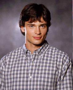 "Here's What The Cast Of ""Smallville"" Looks Like Now"