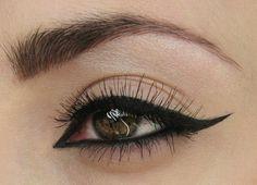 Entire eye cat eye.