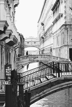 Venice, view of the Bridge of Sighs