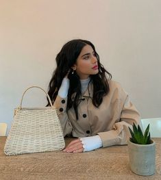 Creative Portrait Photography, Creative Portraits, Beauty Photography, Inspiring Photography, Flash Photography, Photography Tutorials, Digital Photography, Iranian Models, Off Shoulder Bridesmaid Dress