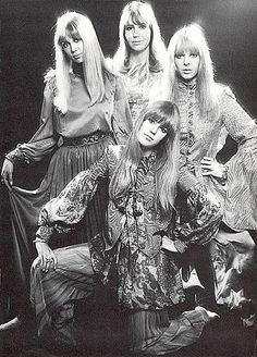 The Women of the in Patty Harrison, Cynthia Lennon, Maureen Starr, with Patty's sister Jenny Boyd Pattie Boyd, Liverpool England, Civil Rights Movement, Rolling Stones, Black And White Photography, The Beatles, Sisters, Lady, Music