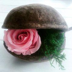"""FLEURS ÉTERNELLES  Donnez une touche élégante et raffinée à votre intérieur avec les fleurs stabilisées ! Noix Bouddha et ROSE éternelle """"romance"""" Fleur stabilisée"""