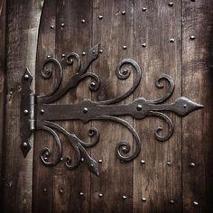 "gofannonforge: ""Medieval style door hinges #blacksmith #medieval #gothic #historic #design #artist #blacksmithing #wroughtiron #metalwork #interiordesign #ironwork #handmade #traditional #crafts #skills #bespoke """