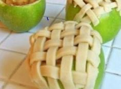 APPLE PIE BAKED IN APPLE - only substitute crumb topping for pie crust!