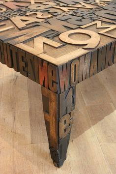 cool coffee table design - I'd have to put a glass top on it though, my drinks would spill :)