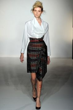See the complete Vivienne Westwood Fall 2012 Ready-to-Wear collection.