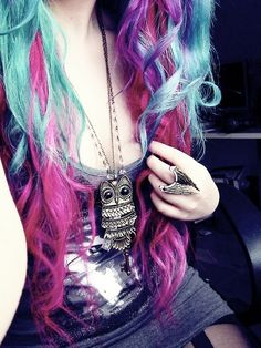 If it didn't destroy my hair, I would do this. Also, I have almost the same necklace.