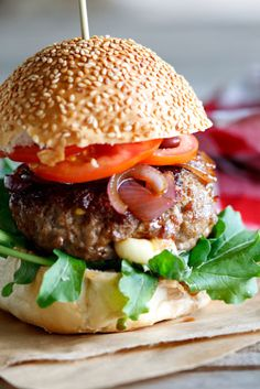 It's mozzarella. In a burger. With onions and tomatoes. It's mozzarella. IN A BURGER. Burger Recipes, Beef Recipes, Cooking Recipes, Burger And Fries, Good Burger, Burger Bar, I Love Food, Good Food, Yummy Food