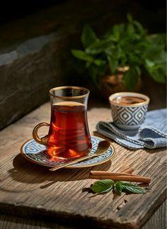 coffee tea Turkish tea and Turkish coffee Turkish Delight, Turkish Coffee, Coffee Time, Tea Time, Coffee Corner, Coffee Break, Morning Coffee, Coffee Photography, Food Photography