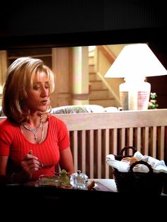 The Sopranos Wicker Basket appearance at the dinner table. Edie Falco shines as Carmella Soprano in Season 1 and is another celebrity with wicker! #wicker #hbo #sopranos pinned by wickerparadise.com ~j