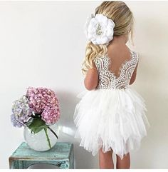 "2,559 curtidas, 34 comentários - Wedding Blog (@weddingofdreams) no Instagram: ""How adorable is this flower girl dress?  @arabellaandrose ? .  @m_i_s_s_g_s_t_y_l_e . . . . . . .…"""