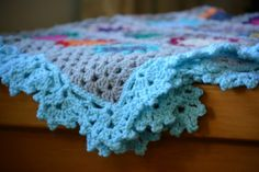 lacy crochet edging - free pattern @ The Green Dragonfly