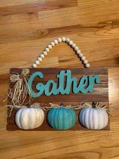 Thanksgiving Crafts, Fall Crafts, Decor Crafts, Wood Crafts, Fall Halloween, Halloween Crafts, Halloween Ideas, Dollar Tree Fall, Dollar Tree Crafts