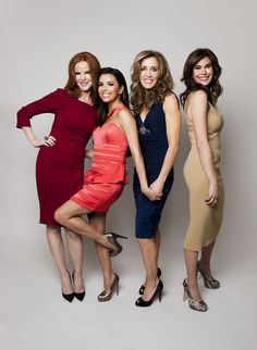 Desperate Housewives: Marcia Cross (in - as usual - the perfect shade of red for her warm autumn colour type), Eva Longoria, Felicity Huffman, Teri Hatcher