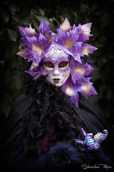 Masquerade. #masks #costumes #venetianmasks http://www.pinterest.com/TheHitman14/artwork-venetian-masks-%2B/