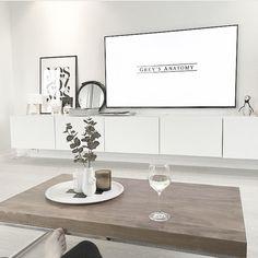Mange har lurt på hvilken tv-benk vi har og hvordan vi løser det med kabler, fjernkontroller og dekodere. Legg meg til på snap; joridkvam, så får du se hvordan vi har gjort det og hvor den er fra ✨ Add snap; joridkvam #joridkvamshome Greys Anatomy, Home Living Room, Interior And Exterior, Tv, Instagram Posts, Inspiration, Home Decor, Biblical Inspiration, Living Room