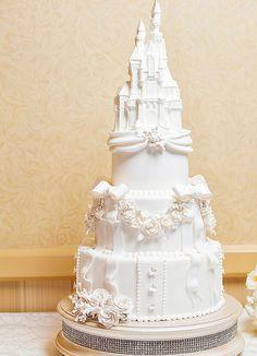 Disney's Sleeping Beauty Castle Wedding Cake – Butter Be Mine Beautiful Wedding Cakes, Beautiful Cakes, Perfect Wedding, Dream Wedding, Wedding Day, Wedding Disney, Disney Weddings, Wedding Ceremony, Trendy Wedding