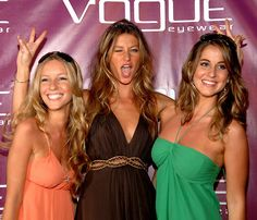 Gisele Bundchen with twin sister Patricia (R), and sister Rafaela.