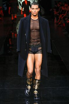 Versace Fall 2013 Menswear Collection Slideshow on Style.com Vogue Fashion 1d8395af6