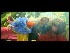 Liedjes Sesamstraat Laten we schuilen.mpg Outdoors, Songs, School, Painting, Art, Rain, Art Background, Painting Art, Kunst