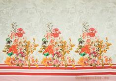 5521ХП Хлопок 98%, эластан 2%. Плотный, пластичный, плательно-костюмный, матовый сатин. Купон ширина 142 см, высота 104 см (на фото кромки слева и справа). В купоне три букета цветов.