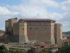 Castillo-Palacio de los Fernández Heredia [? - Mora de Rubielos, Aragón, España]
