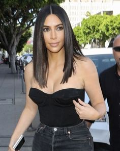 Kim Kardashian with a shoulder-length haircut