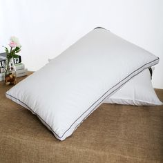 Choose luxury hotel quality pillows from Weisdin, leading Chinese manufacturer, protective trade policy and quality promise, save your budget now!