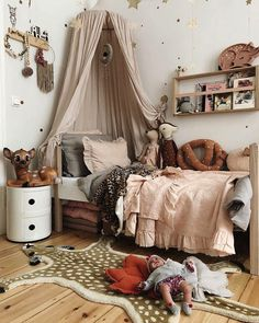 We all know how difficult it is to decorate a kids bedroom. A special place for any type of kid, this Shop The Look will get you all the kid's bedroom decor ide