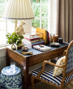 Home office #interiordesign #decoracion #interiores #chinoiserie #blueandwhite #desk #office #escritorio #interiorismo