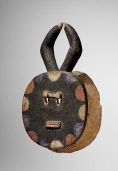 African Masks, African Art, Light Mask, Ivory Coast, Modern Art, Abstract Art, Sculptures, Auction, Textiles