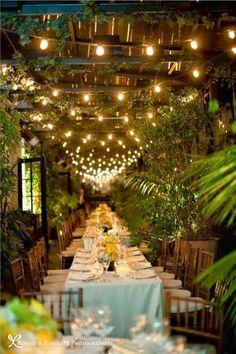 outdoor+dining+table+-+romantic+garden+tables+-+outdoor+decor+and+design+via+pinterest.jpg (426×640)