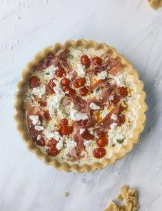 prosciutto, herb & goat cheese quiche I howsweeteats.com #quiche #goatcheese #brunch #prosciutto #breakfast