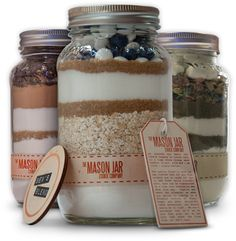 I love love love these their my fave idea for cookies lol Mason Jar Cookie Mix Wedding Favors | ellyB events