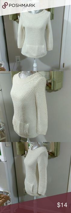 *Talbot's* M Cream Sweater Beautiful Cream Colored Talbot's Sweater, Medium, Pullover Crew-neck, front pocket, one pocket with openings on both sides💜 Looks Great with a pair of Capris as the spring is coming 🤗🤗 From a smoke free home ❤ Talbots Sweaters Crew & Scoop Necks
