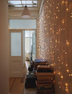 SheLists: 25 DIY Interior Christmas Light Ideas - Inspiration ♥