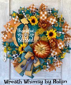 Pumpkin Wreath, Wreath Fall, Autumn Wreaths, Skeleton Decorations, Halloween Decorations, Seasonal Decor, Fall Decor, Autumn Display, Wood Pumpkins