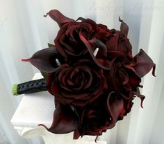A magnificent combination of velvet touch black baccara roses & red majestic real touch calla lilies in this stunning brides bouquet. Calla Lily Bouquet, Rose Bridal Bouquet, Red Bouquet Wedding, Lily Wedding, Calla Lillies, Bride Bouquets, Bridal Flowers, Bridesmaid Bouquet, Black Rose Bouquet