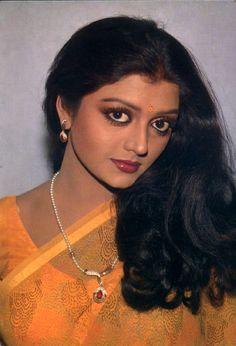 Most Beautiful Bollywood Actress, Bollywood Actress Hot Photos, Beautiful Actresses, Hindi Actress, Bollywood Actors, Beauty Full Girl, Cute Beauty, Beauty Women, Indian Natural Beauty
