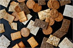 5 recipes for homemade crackers. One less processd food in my pantry. See ya, Cheez-Its!