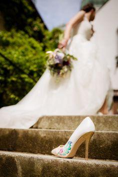 #brautkleid von #lohrengel #bemalte #brautschuhe von #schuhnique #gold #rose #roses #handpainted #shoes #schuhe #hochzeit #wedding