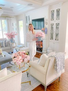 Southern Charm Inspired Spring Home Tour - Randi Garrett Design My Living Room, Living Room Decor, Small Living, Southern House Plans, Southern Homes, Southern Living Rooms, Country Homes, Family Room Design, Spring Home