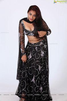 Black Saree, Beautiful Indian Actress, Indian Actresses, Sexy Women, Two Piece Skirt Set, Formal, Hot, Skirts, How To Wear