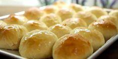 Des petits pains chauds qui sortent du four, c'est la définition du paradis ça, non? - Recettes - Ma Fourchette Cooking Bread, Bread Baking, Scones, Baguette, Bread Recipes, Cooking Recipes, Pizza Sandwich, Pan Dulce, Fabulous Foods