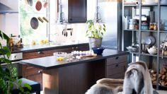 Cuisine Faktum Ikea / via Lejardindeclaire. Ikea Kitchen Design, Dining Room Design, Kitchen Dining, Kitchen Island, Kitchen Decor, Kitchen Ideas, Ivar Regal, Rooms Ideas, Kitchen Colour Schemes