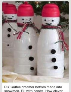 Coffee creamer bottles made into snowmen - this would be a cute kids craft. Fill with candy. Finally something to do with coffee creamer bottles! Snowman Crafts, Christmas Projects, Holiday Crafts, Holiday Fun, Christmas Ideas, Holiday Ideas, Noel Christmas, All Things Christmas, Winter Christmas